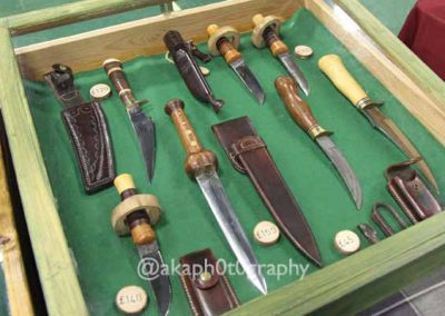 Hunting knives on display